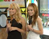 Olsen Twins @ 2004 Appearances