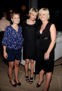 http://img13.imagevenue.com/loc384/th_46087_kristen_bell_renee_zellweger_amy_poehler_launch_of_dumbdumb_02_122_384lo.jpg