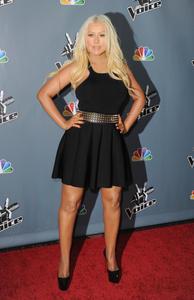 [Fotos+Videos] Christina Aguilera en la Premier de la 4ta Temporada de The Voice 2013 - Página 4 Th_985791436_Christina_Aguilera_18_122_510lo