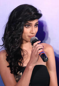 th 052431124 sapna pabbi 06 122 598lo.jpg